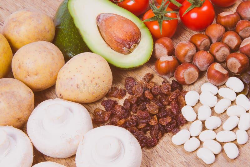 Naturprodukte reich in Kalium K Gesundes Nahrungsmittelkonzept stockfoto