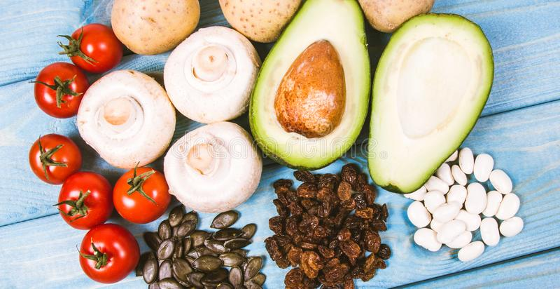Naturprodukte reich in Kalium K Gesundes Nahrungsmittelkonzept stockbilder