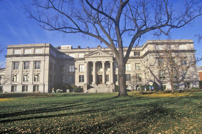 Naturvetenskapbyggnad på universitetet av Iowa, Iowa City, Iowa royaltyfri foto