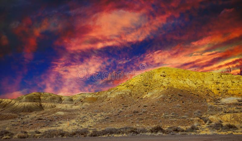 Natuurgebied in de bergen, het landschap van New Mexico met zonsondergang royalty-vrije stock afbeelding