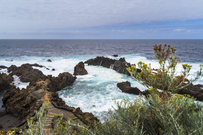 Natuurlijk zwembad in Tenerife stock foto's
