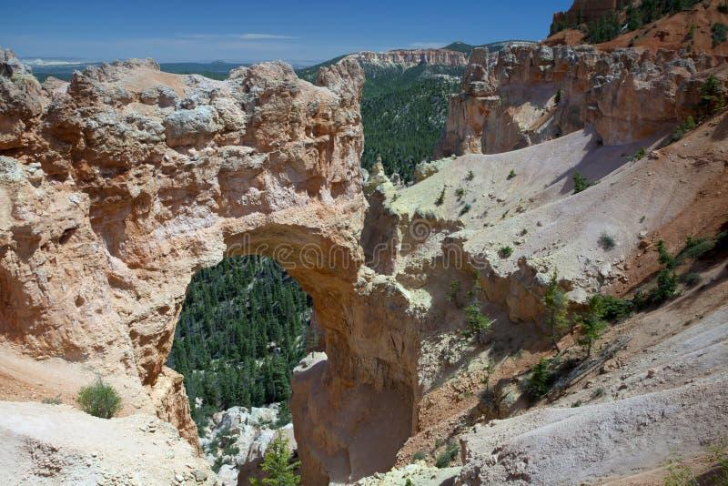 Natuurlijke Brug - Canion Bryce stock afbeeldingen