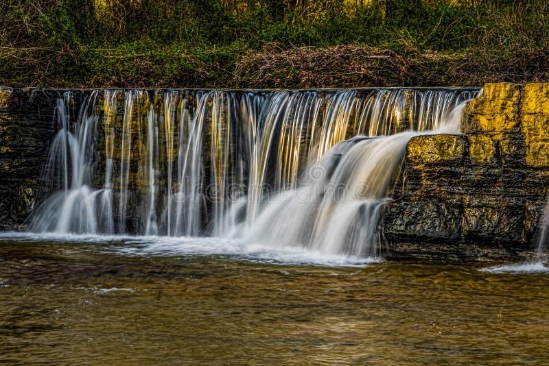 Natuurlijke Dam bij Zonsondergang royalty-vrije stock fotografie