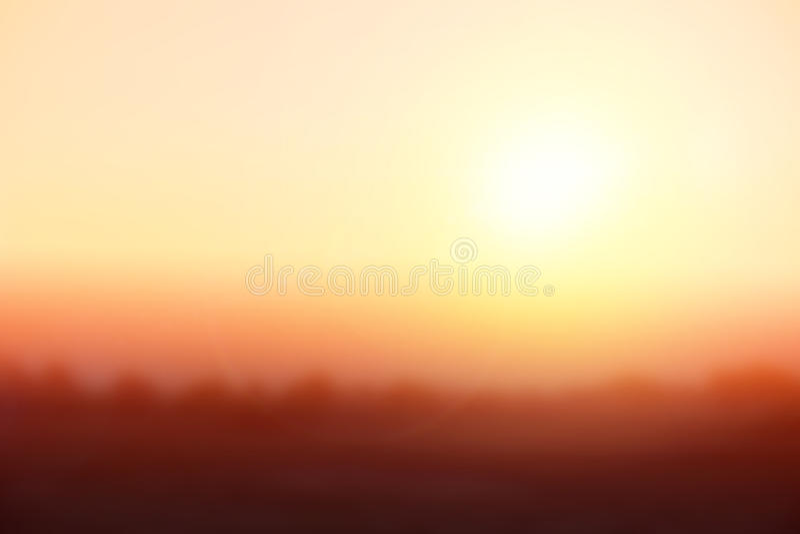 Natuurlijke het achtergrond vertroebelen warme kleuren en helder zonlicht stock foto - Groene warme of koude kleur ...
