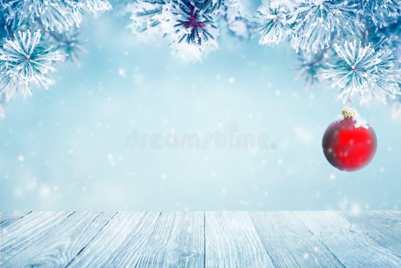 Natuurlijke Kerstmis dalende sneeuw als achtergrond royalty-vrije stock foto's