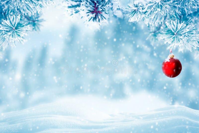 Natuurlijke Kerstmis dalende sneeuw als achtergrond royalty-vrije stock fotografie