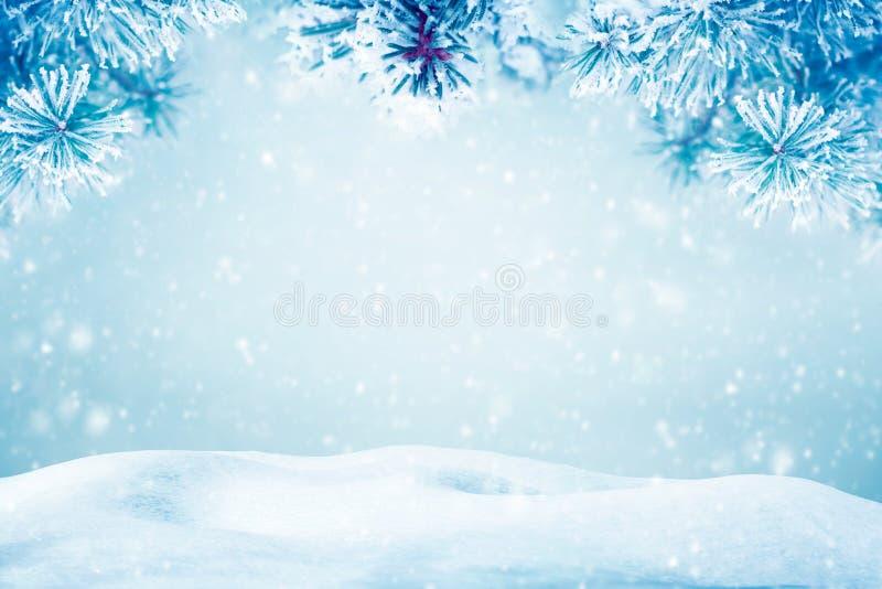 Natuurlijke Kerstmis dalende sneeuw als achtergrond stock fotografie