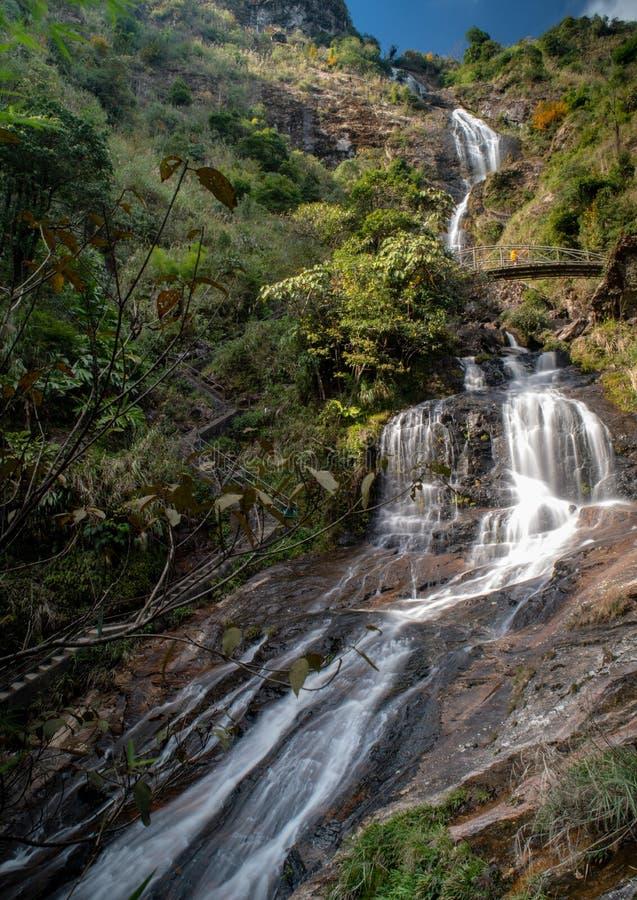 Natuurlijke mening van Thac-Bac of Zilveren waterval in Sapa, Lao Cai, Vietnam royalty-vrije stock foto