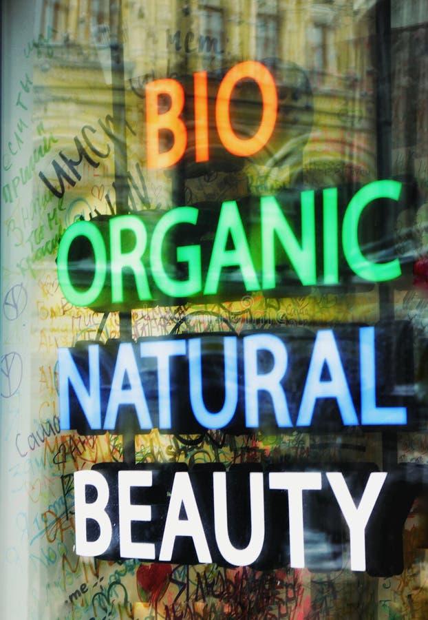 Natuurlijke neoninschrijvingen, bio, organisch, schoonheid stock foto