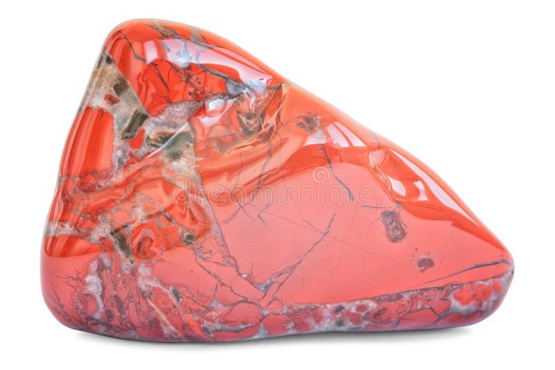 Natuurlijke rode die jaspishalfedelsteen op wit wordt geïsoleerd stock afbeeldingen