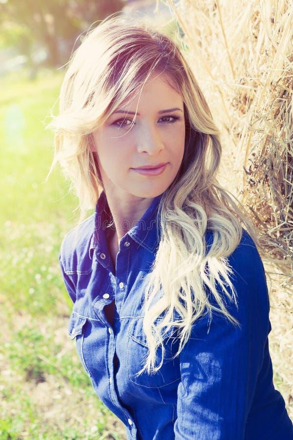Natuurlijke schone het meisjesvrouw van het portret mooie blonde stock foto's