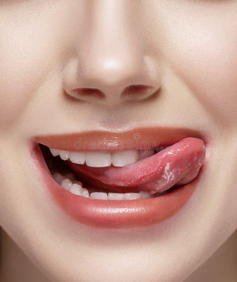 Natuurlijke tong open mond royalty-vrije stock fotografie