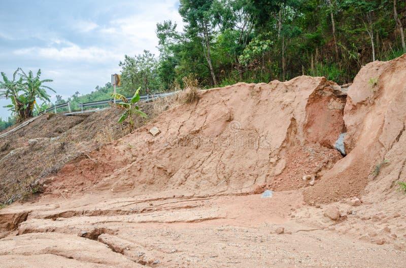 Natuurrampen, grondverschuivingen tijdens in het regenachtige seizoen royalty-vrije stock afbeelding
