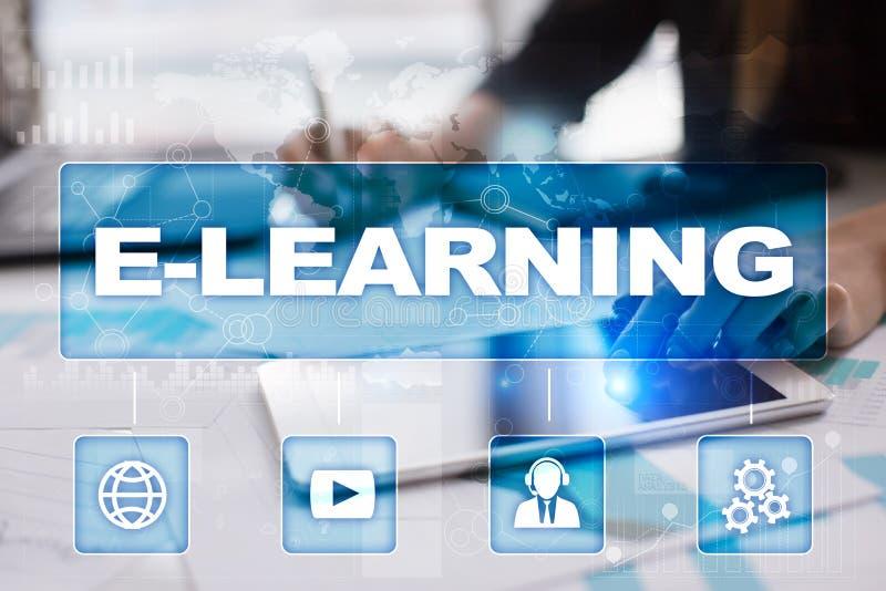 nauczanie online na wirtualnym ekranie pojęcia edukaci internetów klawiatura uczy się słowo zdjęcia royalty free