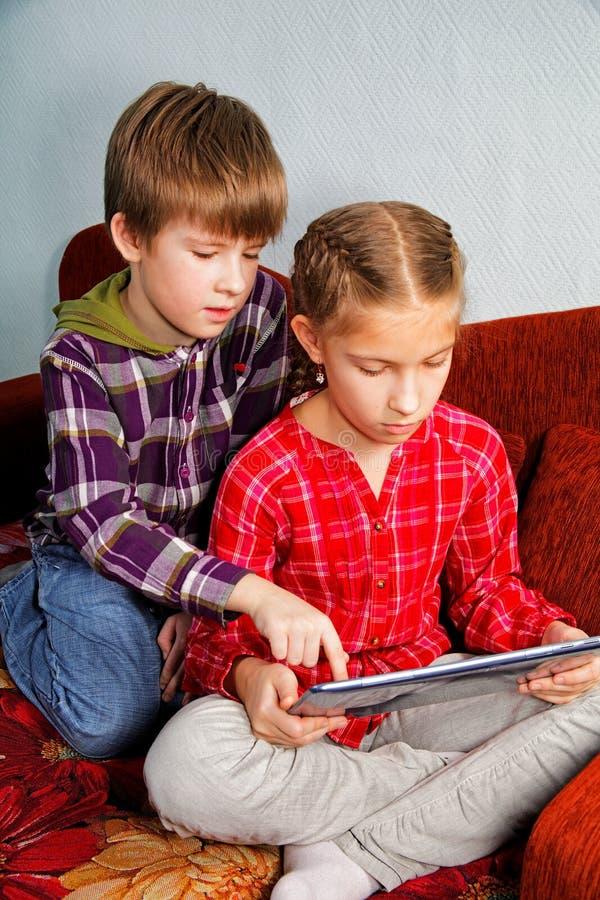 Nauczanie online technologie na pastylce obrazy royalty free
