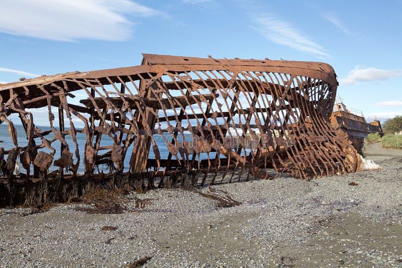 Naufrágios ao longo da costa em Punta Arenas, o Chile fotografia de stock