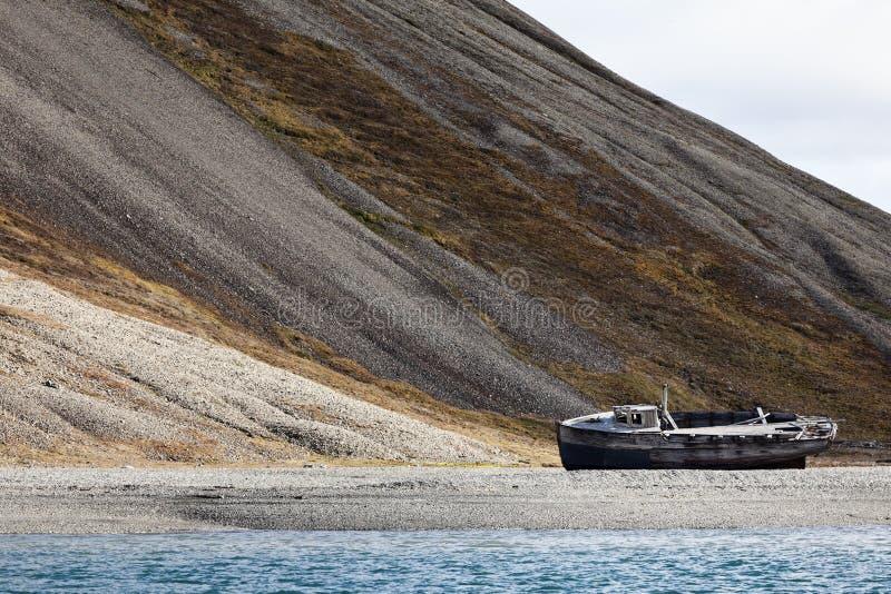 Naufrage dans Skansbukta, Svalbard, Norvège photographie stock