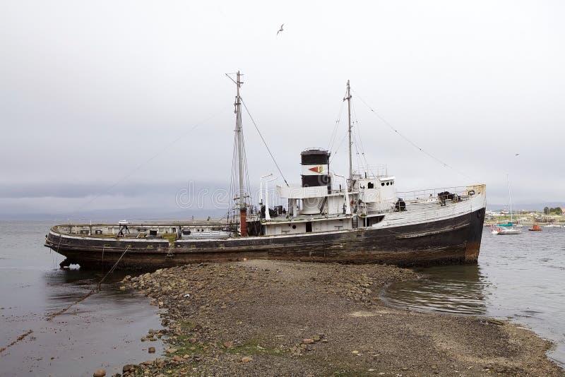 Naufraghi nel porto di Ushuaia, Argentina immagine stock
