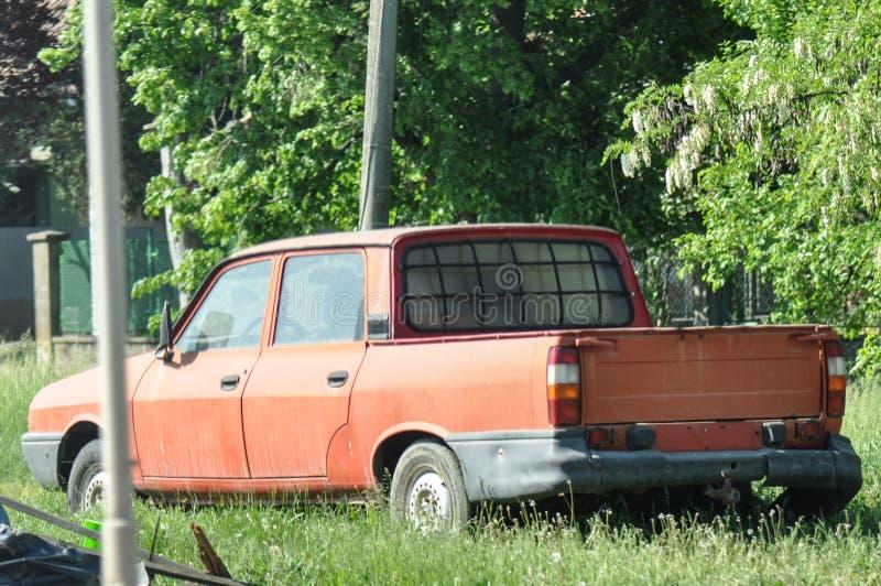 Naufragio abbandonato dell'automobile fotografie stock libere da diritti