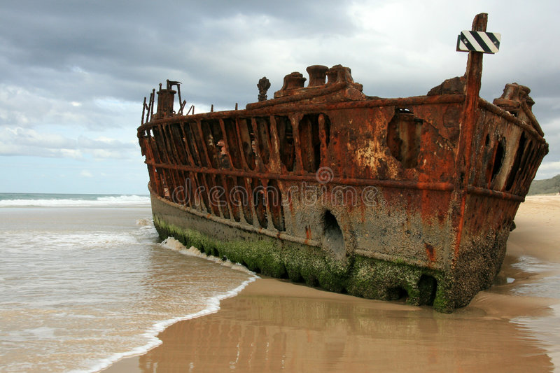 Naufragio della nave di Maheno - isola di Fraser, Australia fotografia stock