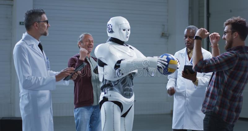 Naukowowie bada humanoid robot r?ki ruchu zdjęcia royalty free