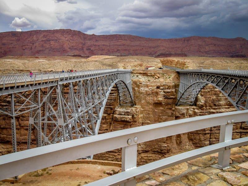 Navajobro nära läs färja i nordliga Arizona fotografering för bildbyråer