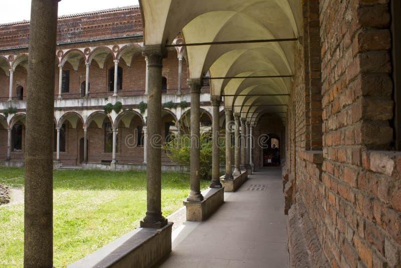 Navata laterale del convento del lavabo del UniversitàStatale immagine stock libera da diritti