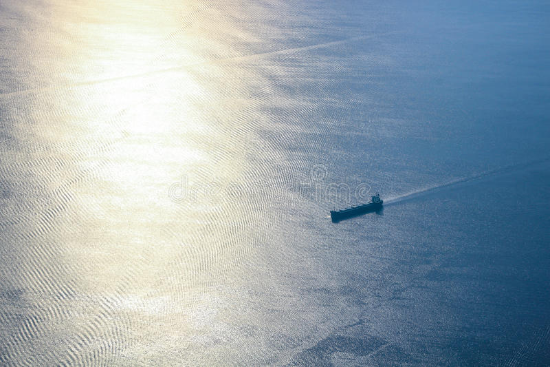 Nave all'oceano immagini stock