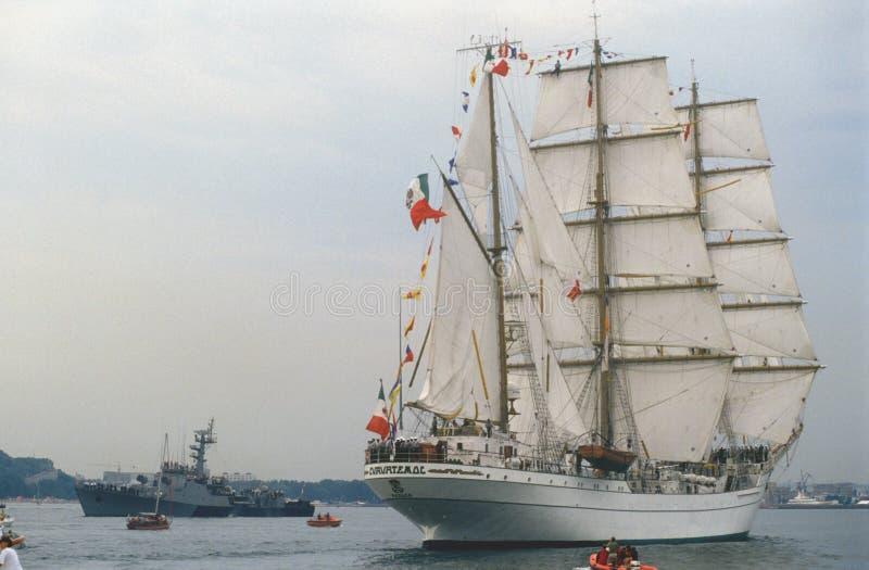Nave alta mexicana durante desfile del tallship fotos de archivo libres de regalías