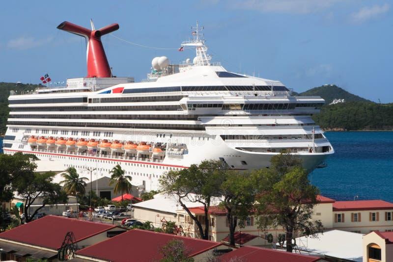 Download Nave da crociera caraibica fotografia stock. Immagine di crociera - 3879470