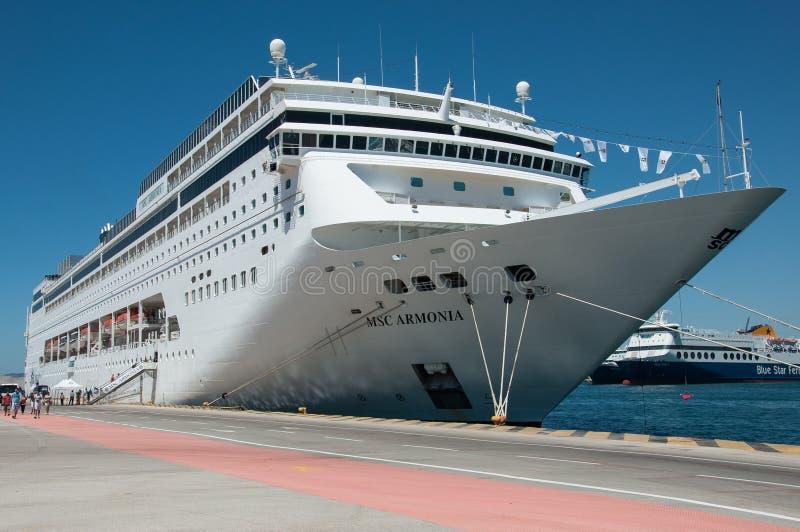 Nave da crociera del MSC Armonia a Pireo fotografia stock