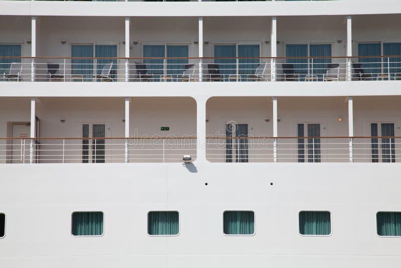 Nave da crociera esterna della cabina fotografia stock for Affitti della cabina di whistler