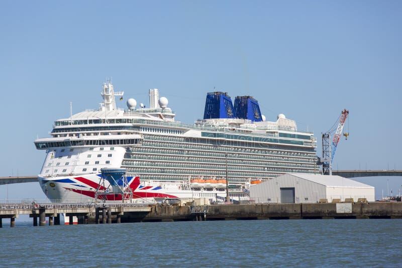 Nave da crociera, il Britannia dalla P & crociere della O immagini stock