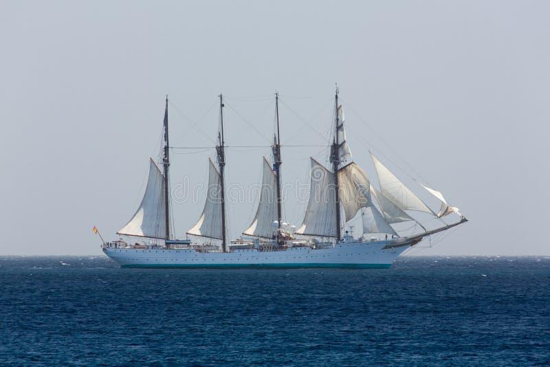 Nave de entrenamiento española de la marina de guerra J.S. de ElCano fotos de archivo
