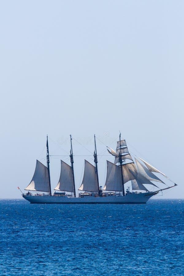 Nave de entrenamiento española de la marina de guerra J.S. de ElCano fotografía de archivo