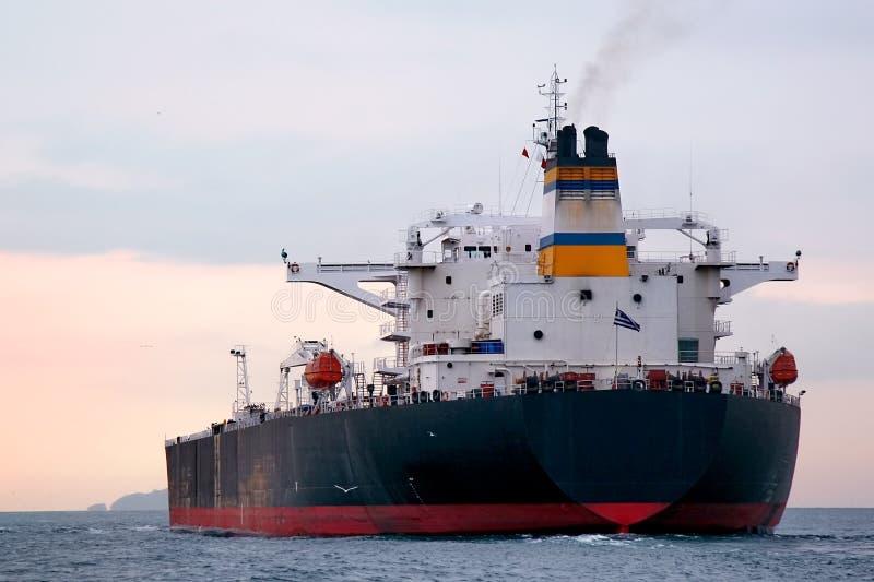 Nave de petrolero enorme imagen de archivo