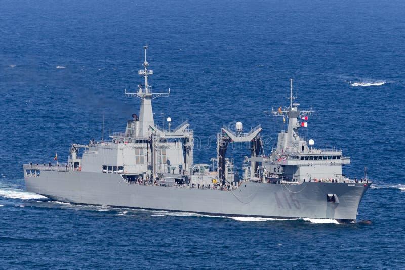 Nave del lubrificatore di riempimento di Cantabria A15 azionata dalla marina spagnola che entra in Sydney Harbor immagini stock