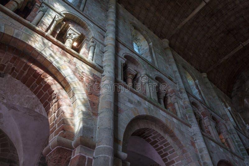 Nave dell'abbazia in Mont Saint-Michel immagine stock