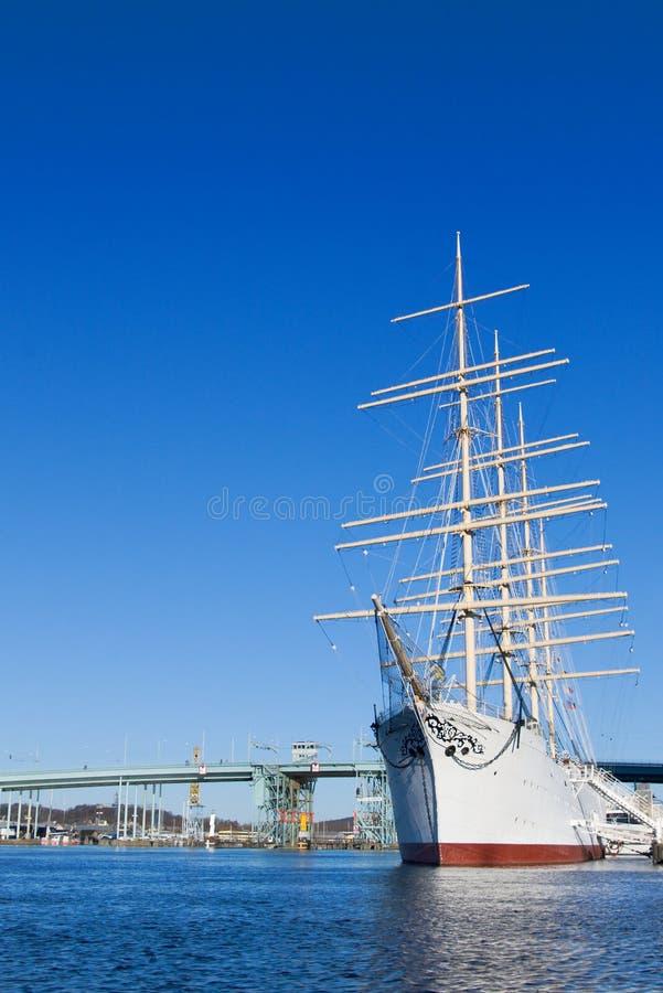 Nave della vela in porto fotografia stock