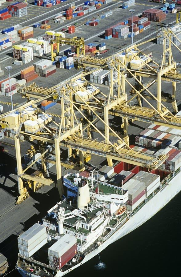 Nave porta-container di vista aerea in bacino Sydney Australia immagini stock libere da diritti