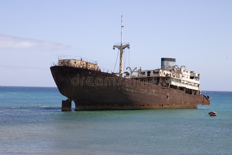 Nave rovinata a Lanzarote fotografia stock