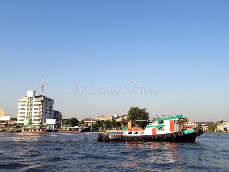 Nave sul fiume fotografia stock libera da diritti