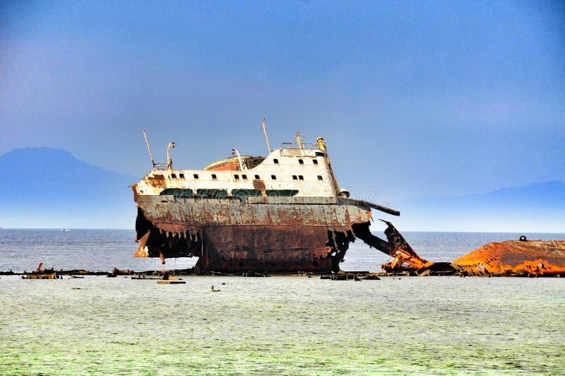 Nave vieja en el Mar Rojo fotos de archivo libres de regalías