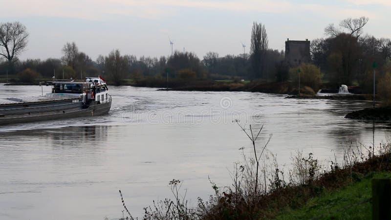 Navegação no rio IJssel, Holanda filme