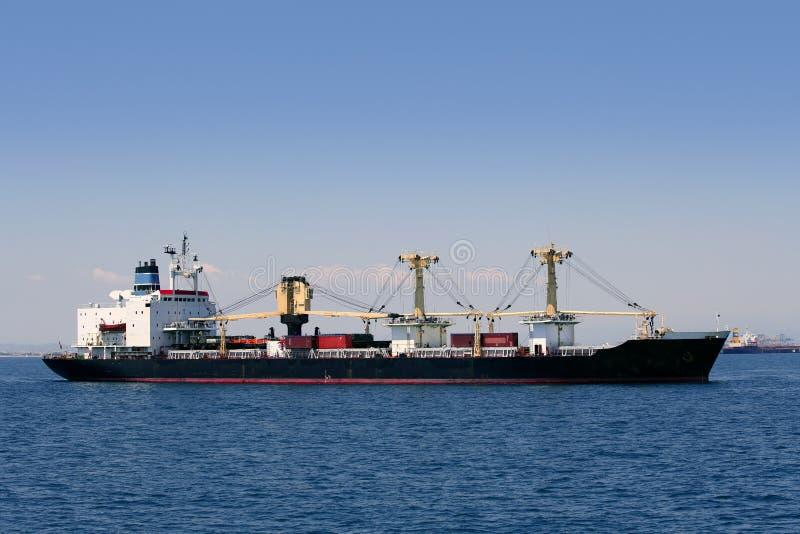 Navegación de la nave del carguero del contenedor para mercancías imagen de archivo libre de regalías