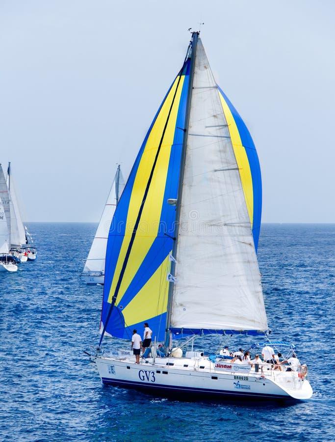 Navegación de los yates durante la regata Brindisi Corfú 2019 imagen de archivo