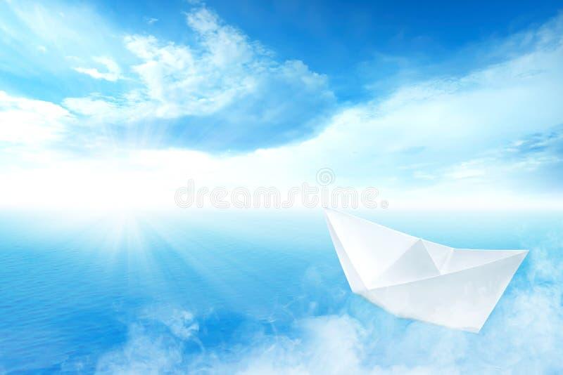 Navegación del barco del Libro Blanco en el océano azul imagenes de archivo
