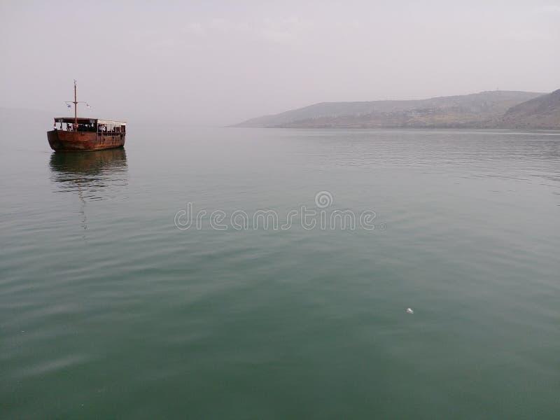 Navegación en el mar tranquilo fotos de archivo