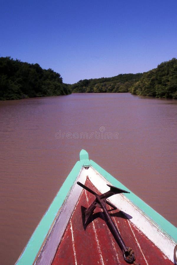 Navegación en el río del Amazonas foto de archivo