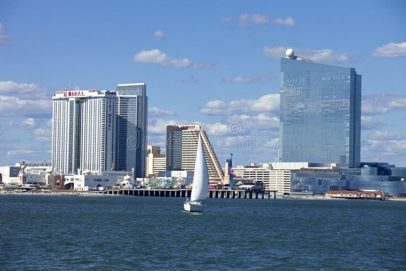 Navegando em Atlantic City com Revel, Showboat e Taj Mahal Casino fotos de stock royalty free